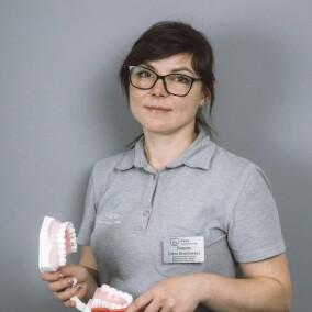 Озерова Елена Дмитриевна, стоматолог-терапевт