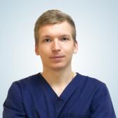 Сергеев Максим Владиславович, стоматолог-хирург