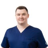 Усачев Андрей Русланович, стоматолог-хирург