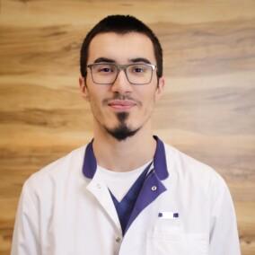 Гусейнов Рустам Арифович, стоматолог-терапевт