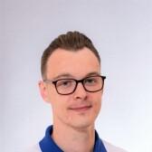 Зажимаев Антон Андреевич, стоматолог-терапевт