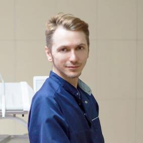 Бохан Александр Викторович, стоматолог-терапевт