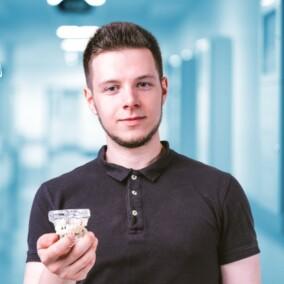 Кудревич Александр Олегович, стоматолог-терапевт