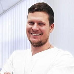 Фонарев Евгений Михайлович, стоматолог-хирург