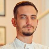 Шурховецкий Иван Викторович, стоматолог-терапевт