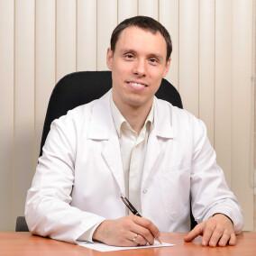 Бейнусов Дмитрий Сергеевич, дерматолог-онколог