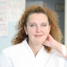 Ефремова Наталья Сергеевна, стоматолог-терапевт