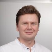 Павлунин Дмитрий Олегович, стоматолог-хирург