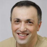 Исламов Ровшан Надирович, имплантолог