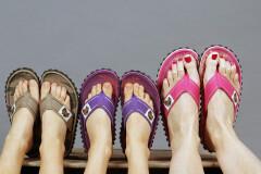 Как выбрать летнюю обувь и не испортить ноги