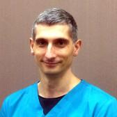 Кузьмин Игорь Алексеевич, стоматолог-хирург