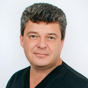 Виноградов Александр Эдмондович, стоматолог-хирург