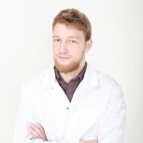Мазынский Ян Витальевич, стоматолог-хирург