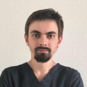 Селегененко Егор Сергеевич, стоматолог-терапевт