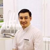 Халмуратов Бахрам Максудович, стоматолог-хирург