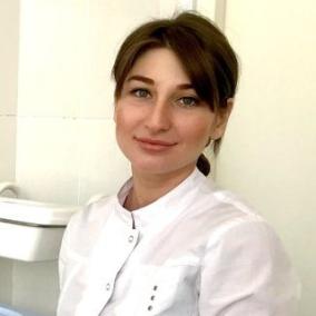 Каряева Елена Асламбековна, стоматолог-терапевт