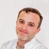 Абдаллах Амро, стоматолог-терапевт
