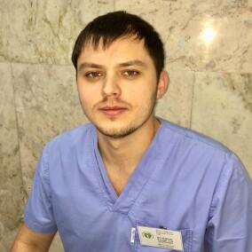 Шуленков Владислав Андреевич, стоматолог-терапевт