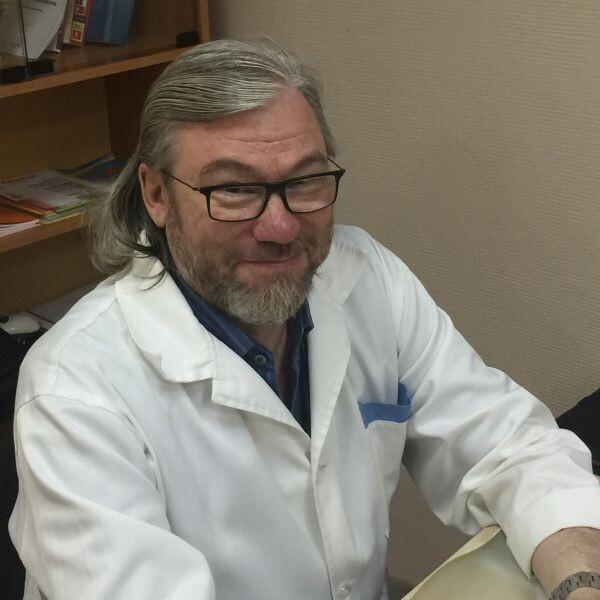Емельянов Виталий Давидович, невролог
