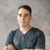 Израилов Артур Муношевич, стоматолог-терапевт