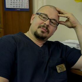 Шмыров Олег Сергеевич, хирург