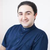 Назарян Давид Назаретович, стоматолог-хирург