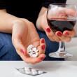 Антибиотики и алкоголь: можно ли сочетать?