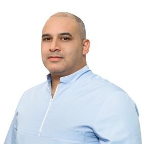 Ашоур Ахмед Зухди, ортодонт