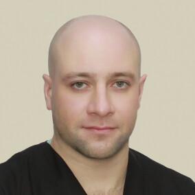 Грибов Геннадий Вячеславович, хирург