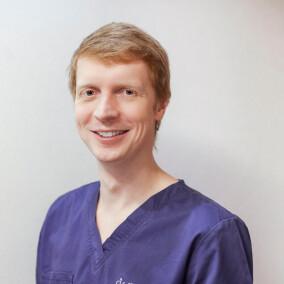 Качапкин Глеб Игоревич, стоматолог-терапевт