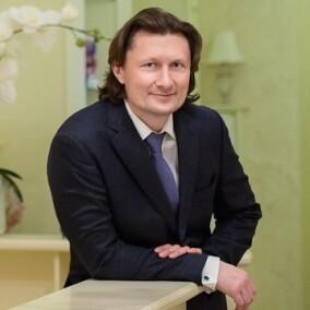 Фадин Александр Сергеевич, пластический хирург