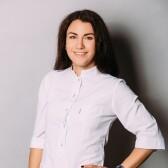 Карелина Екатерина Викторовна, стоматолог-терапевт