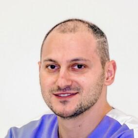 Саркисян Арен Сергеевич, стоматолог-ортопед