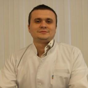 Черников Антон Игоревич, хирург