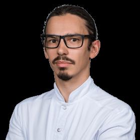 Дуданов Максим Викторович, стоматолог-хирург