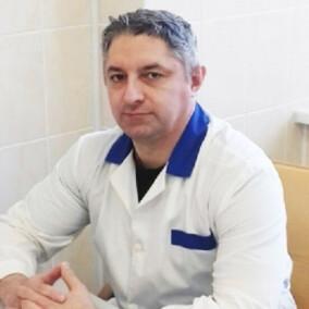 Адаменко Валерий Николаевич, хирург