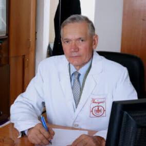 Баткаев Эдуард Алексеевич, дерматолог