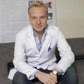 Петров Леонид Олегович, хирург