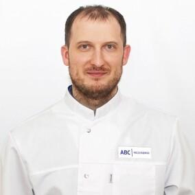 Коржов Иван Сергеевич, стоматолог-терапевт