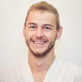 Черных Антон Алексеевич, стоматолог-терапевт