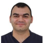 Амаякян Андраник Арсенович, стоматолог-хирург