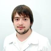 Сологянц Роберт Владимирович, стоматолог-хирург