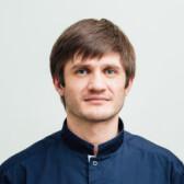 Гусейнов Али Омариевич, стоматолог-хирург