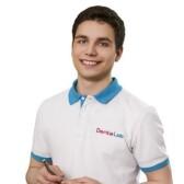 Гаврилюк Степан Александрович, стоматолог-терапевт