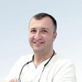 Дарбинян Ваграм Григорьевич, стоматолог-терапевт