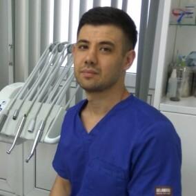 Нагиев Рустам Эльдарович, стоматолог-терапевт