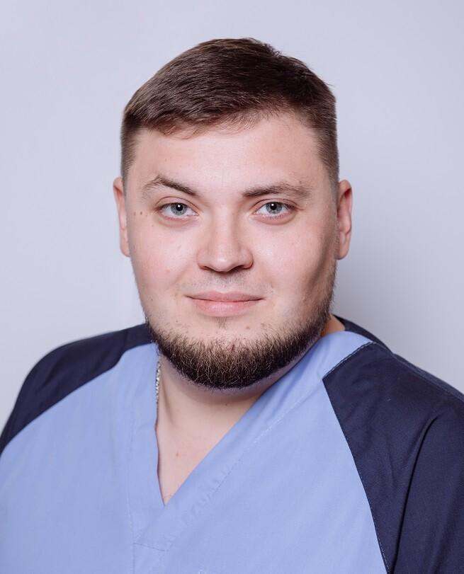 Григорьев Артём Евгеньевич, мануальный терапевт