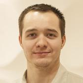 Постовалов Артур Юрьевич, стоматолог-терапевт