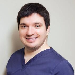 Мельников Алексей Владимирович, стоматолог-хирург