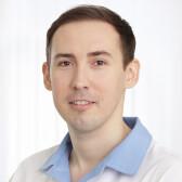Шинкарев Тарас Геннадьевич, стоматолог-хирург